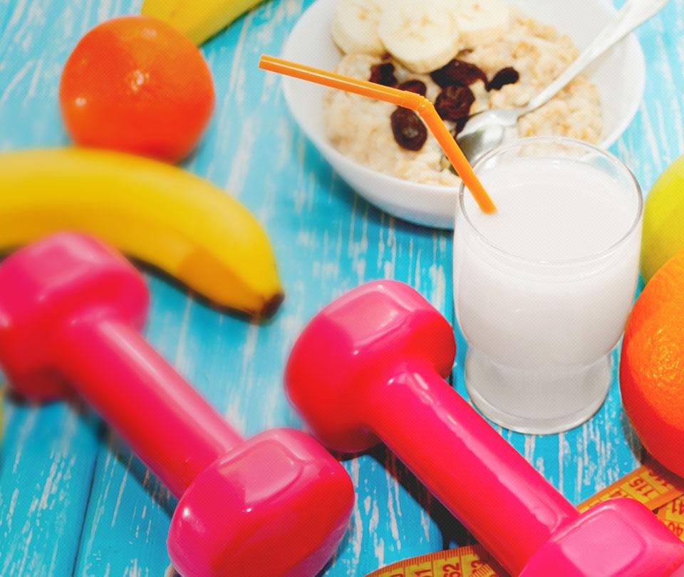 Após o exercício devemos ingerir carboidratos e proteínas em quantidades adequadas para auxiliar na reconstrução muscular.