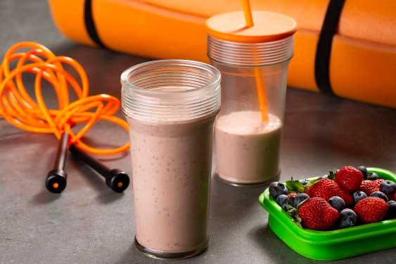 Delicioso, nutritivo e proteico. Vem com a gente aprender fazer esse maravilhoso #milkshake sabor frutas vermelhas!